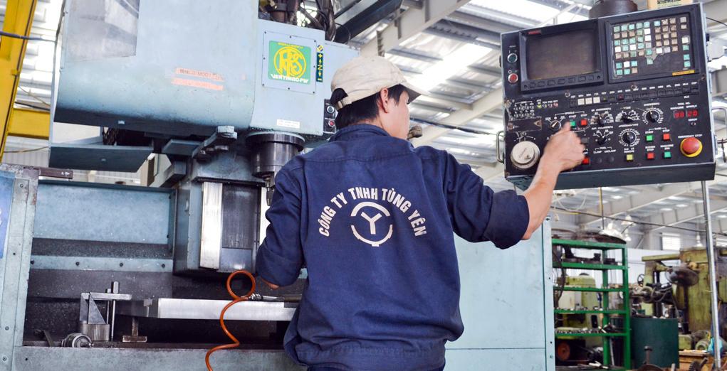 Công nhân cơ khí đều được trang bị kiến thức và thiết bị bảo hộ lao động