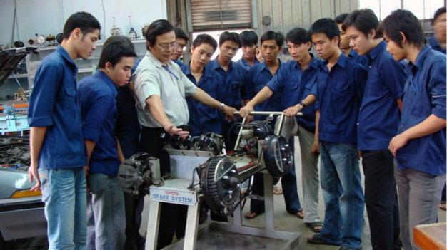 xưởng chế tạo cơ khí