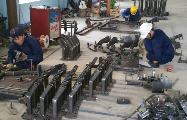 xưởng chế tạo cơ khí chuyên nghiệp